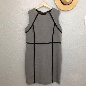 Houndstooth printed sleeveless dress